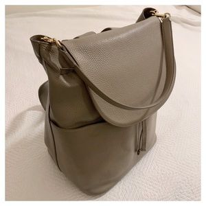 Cuyana Convertible Backpack Large Pebble Bag Grey
